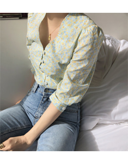(당일출고) ( made byme ) oui floral button blouse